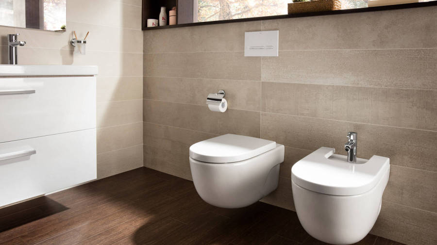 Meridian wall-hung toilet and bidet by Roca