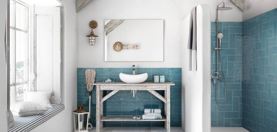 Bath with colour with Roca products