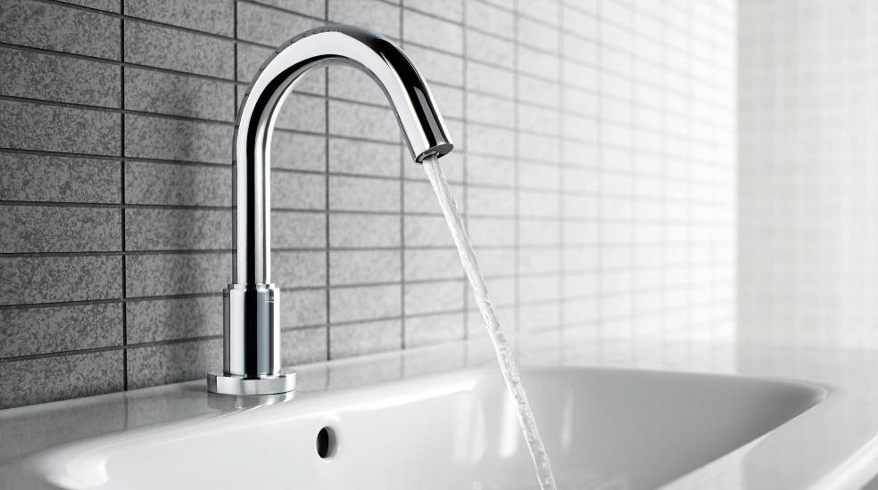 FAUCETS WITH AUTOMATIC SENSOR